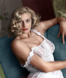 "13 Feminine Seduction Archetypes: The ""Sensualist"""