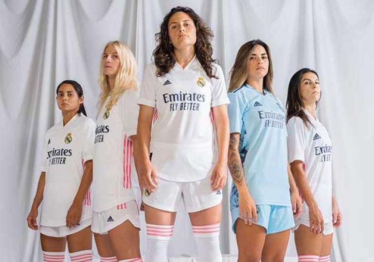 Las jugadoras del Real Madrid femenino presentan el nuevo uniforme del club por primera vez en su historia - womennow