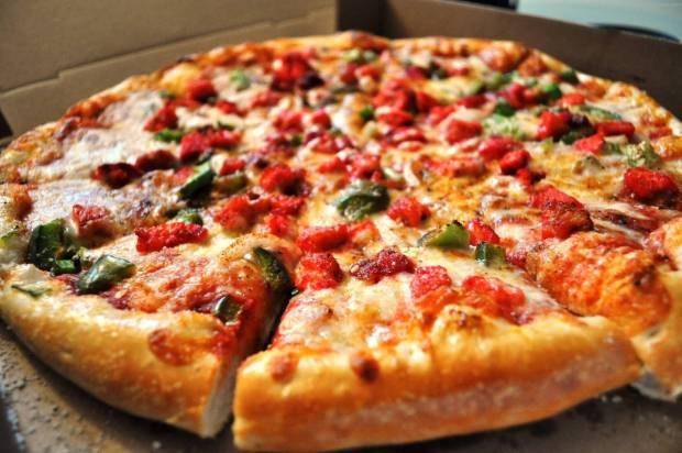 Pizza dan Marugame Udon Pake Bahan Kadaluarsa?
