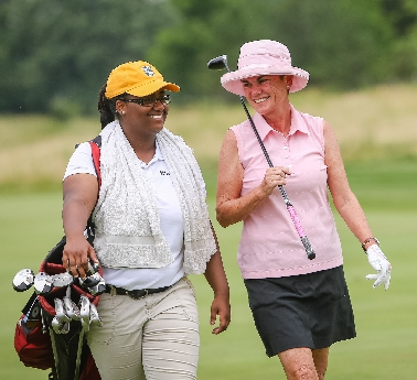 Shalonda Jones with golfer