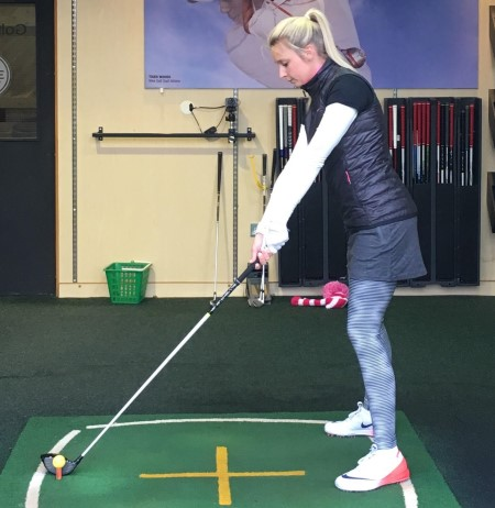Golf swing incorrect hip rotation