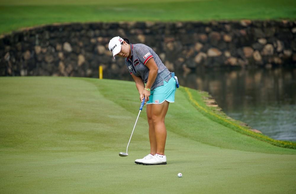Deb Vangellow How to putt in golf Womens Golf
