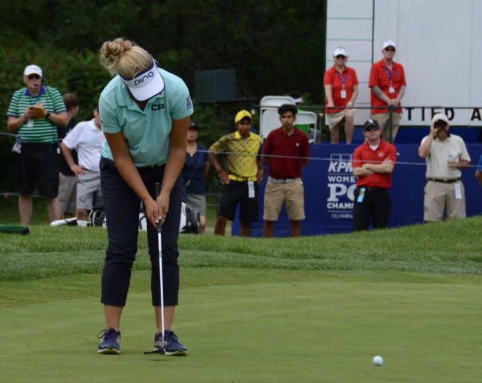 Brooke Henderson How to reduce shaky hands during putting womens golf