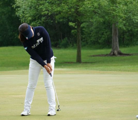 womens golf website putting and shaky hands