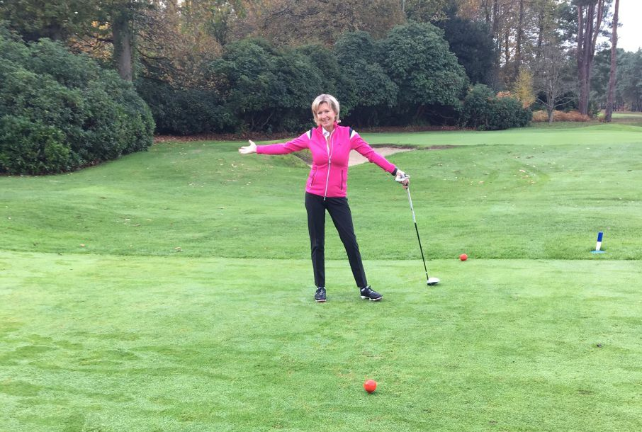 Susan Tyldesley at New Zealand GC Surrey 1st Tee