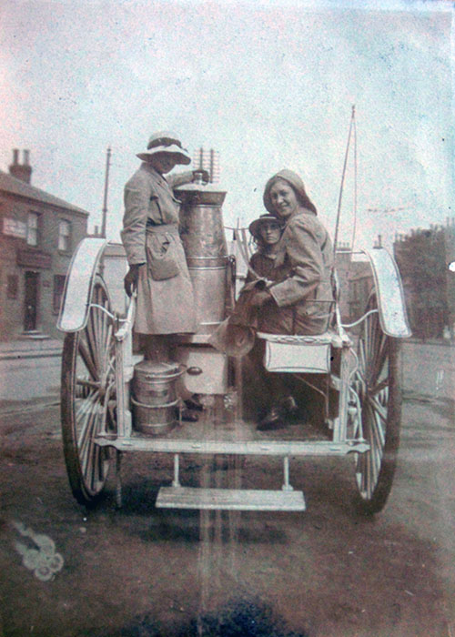 Land Girls on back of milk float Source: Valerie Linder