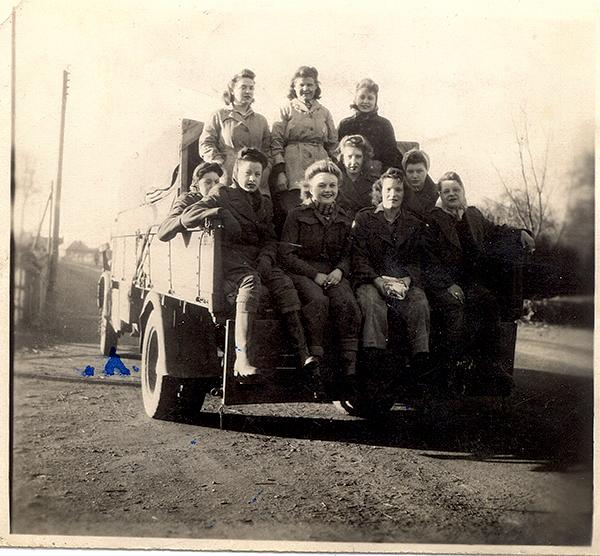 Olive Guzelf (nee Russell) in the middle of the top row and fellow Land Girls. Source: Debbie Cardigan