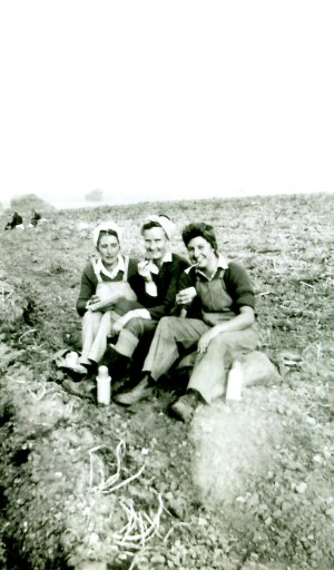 Daphne (centre) with Paddy (right) and another friend