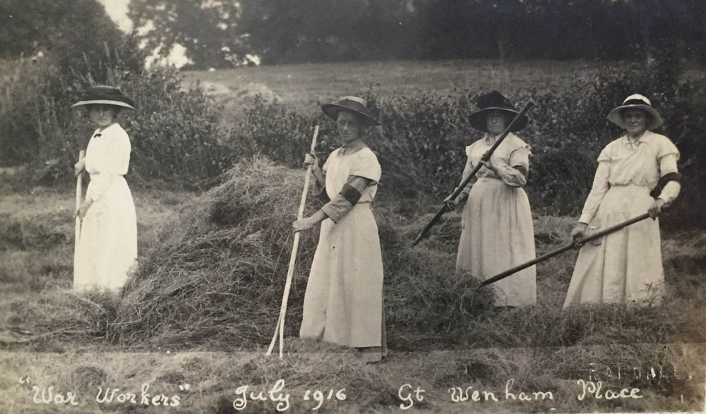 Female agricultural workers at Great Wenham Place in July 1916.