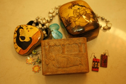 Travel souvenir ideas when traveling in India