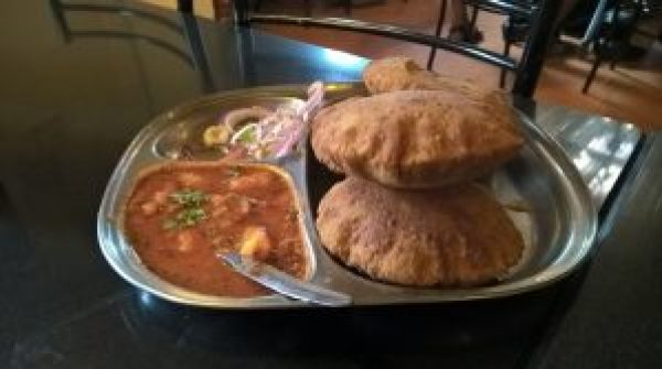 kachori with aloo