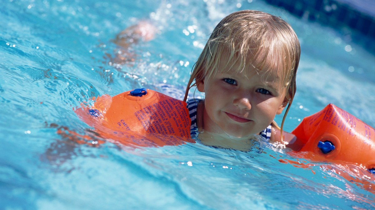 Top 9 Safety Tips for Swimming Pool to have Risk-Free Swimming Experience