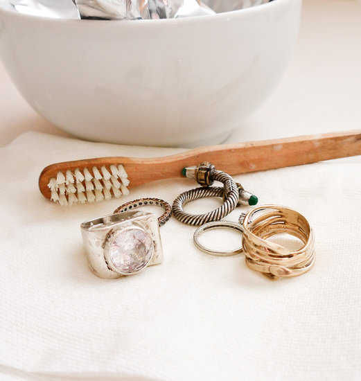 Using various ways to clean different types of jewelry