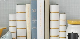 8 Brilliant DIY Bookends To Decorate Your Shelves