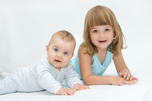 5 Tips to Help your Child Adjust to a New Sibling