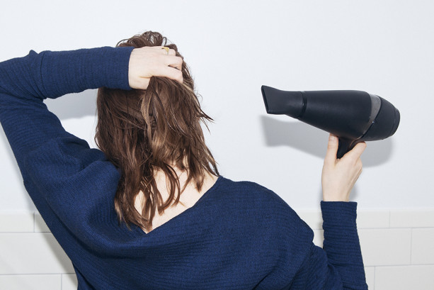 6 Mistakes we make when Blow-Drying our Hair