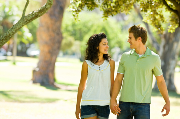 6 Fun Ideas for a Date on an Empty Pocket