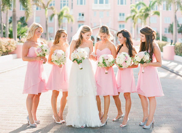 9 Tips to pick the right bridesmaid dresses
