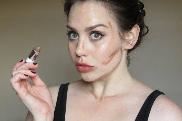 Brown lipstick for contouring