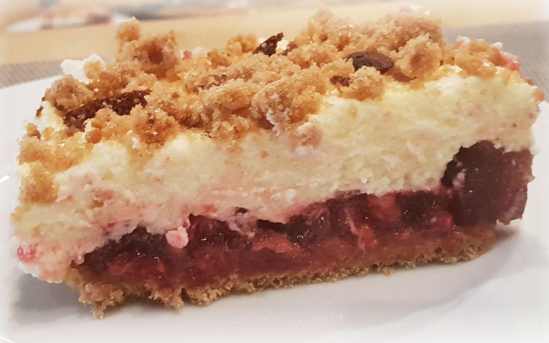 Schnell geschüttelt: Honigkuchen-Beeren-Schmand-Torte