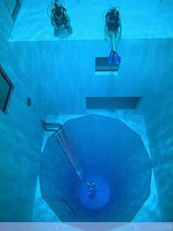 Nemo 33 - Deepest Swimming Pool of the world - 02