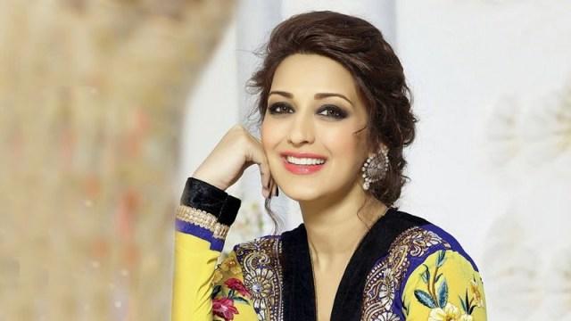 Beautiful Queen Sonali Bendre