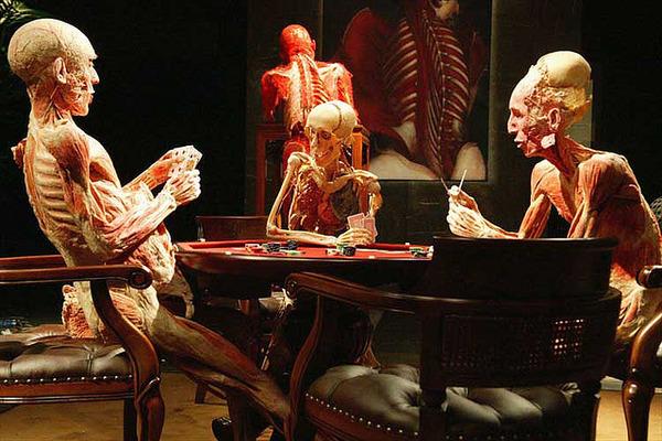 Gunther von Hagens Pokerrunde