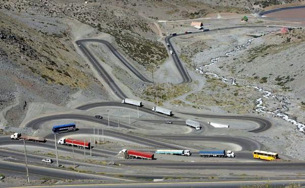 Chile Los Caracoles Pass
