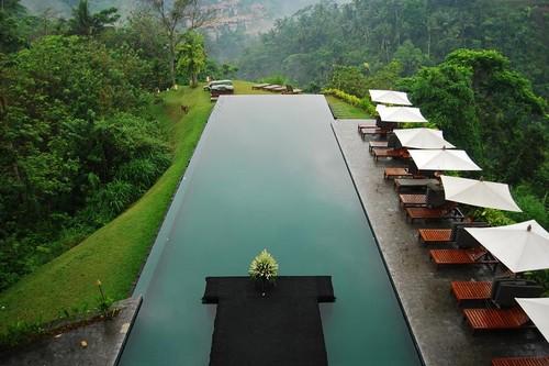 10 Stunning Infinity Pools