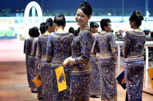 Singapore flight attendant