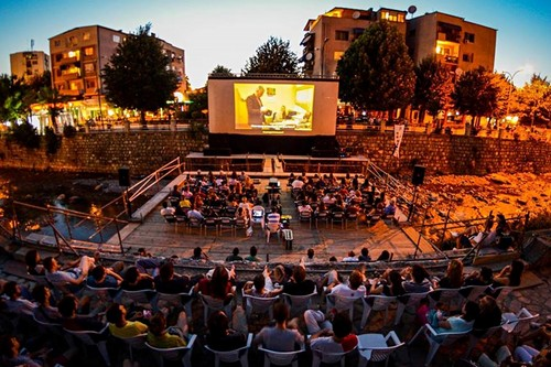 Open Air Film Screening of DokuFest
