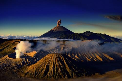 Amazing Volcanoes, Indonesia