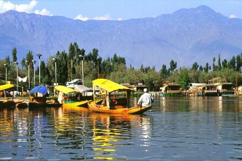 Srinagar, Alluring Lakeside Cities of India