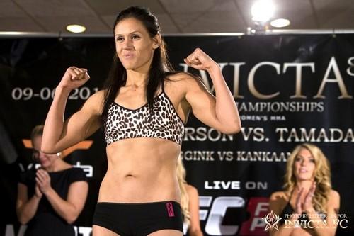 DeAnna Bennett Female Mixed Martial Artists