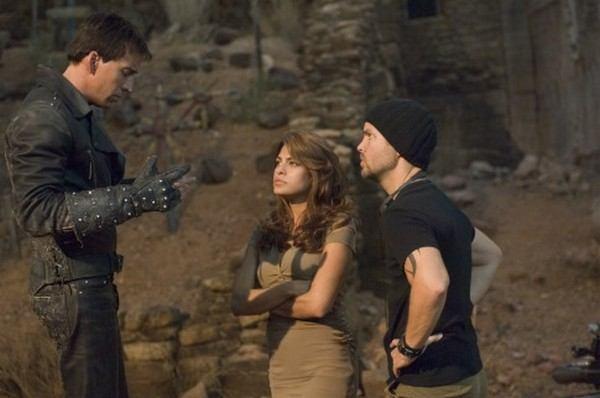 Nicolas Cage, Mark Steven Johnson, and Eva Mendes in Ghost Rider