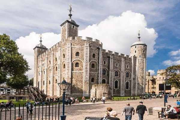 Tower of London Places to Visit in London