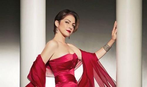 Gloria Estefan Richest Singers