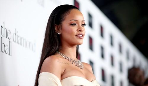 Hot Black Female Celebrities Rihanna