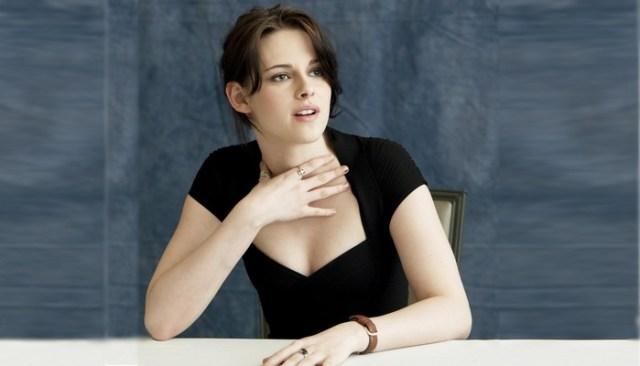 Kristen Stewart Hot pose