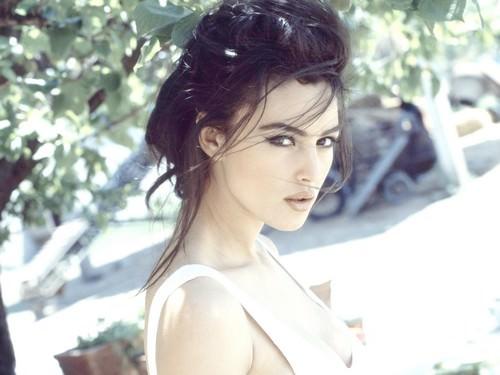 Monica Bellucci Hot Brunette