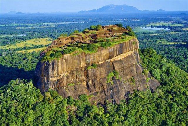 Sigiriya travel destinations in Sri Lanka