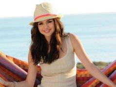 Selena Gomez Beautiful Woman in the world