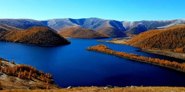 Khuisiin Naiman Lake