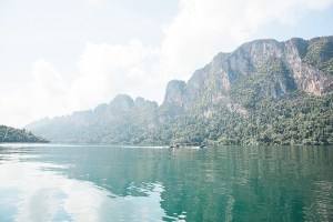 Cheow Lan Lake Khao Sok Thailand Wood and Gems reistips traveltips meer privé-tour