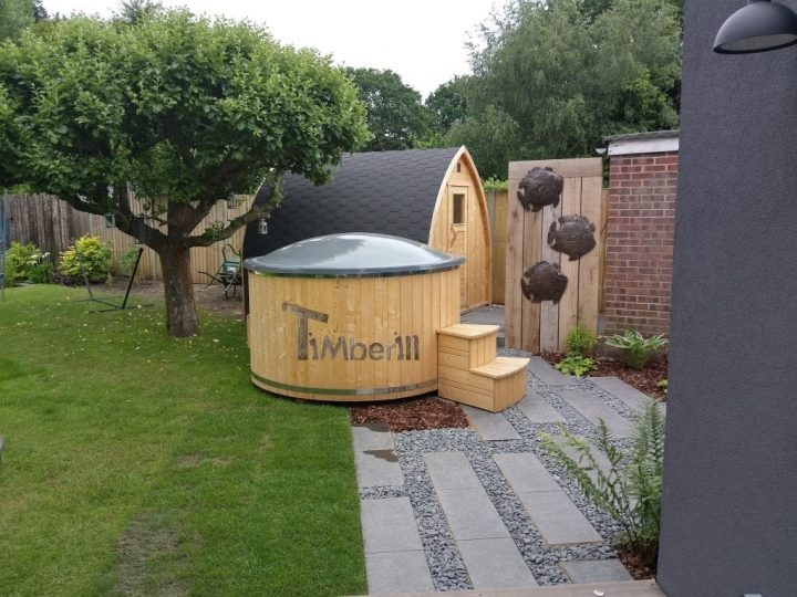 Wellness Deluxe Electric Outdoor Hot Tub Spa And Igloo Sauna, ANDREW, Walton On Thames, U.K.