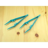 (2) Plastic Tweezers PTW1150/2