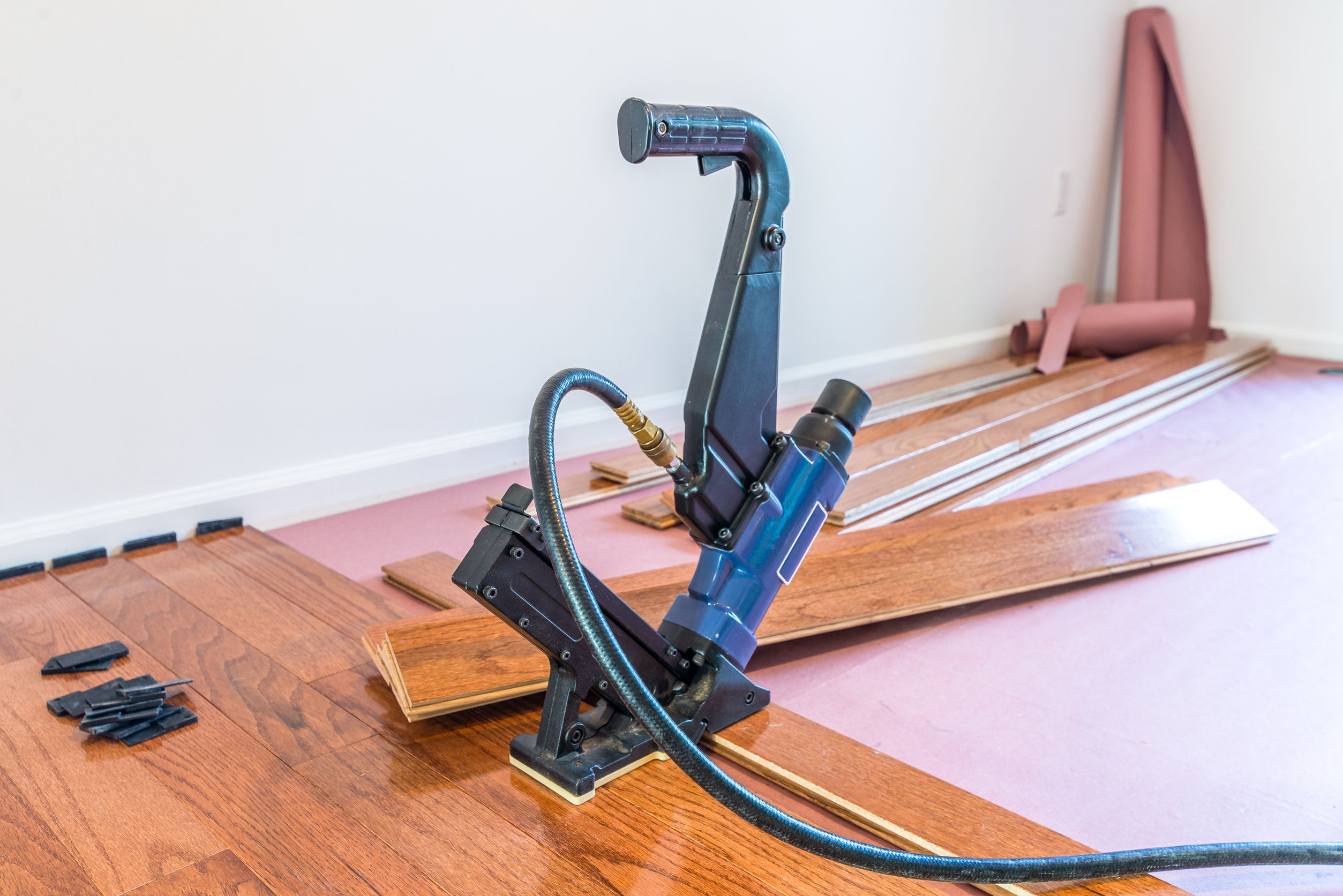 How to fix hardwood floors that squeak - In
