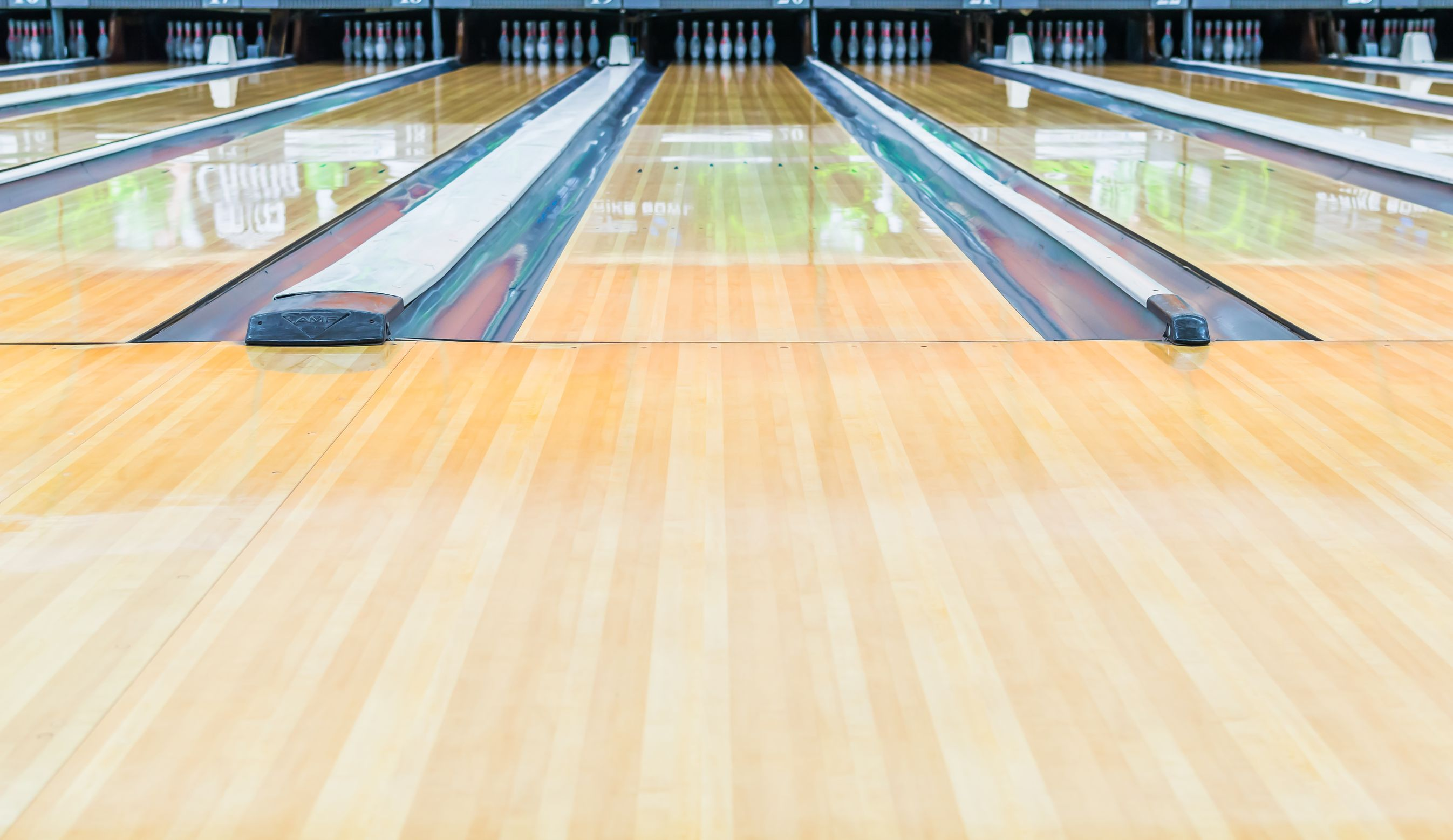 21398091 Bowling Alleywith Surface Polished With Wax