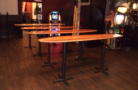 Gentil A Southern California Bar Wouldnu0027t Complete Without Danau0027s Stand Up Surfboard  Bar Tables