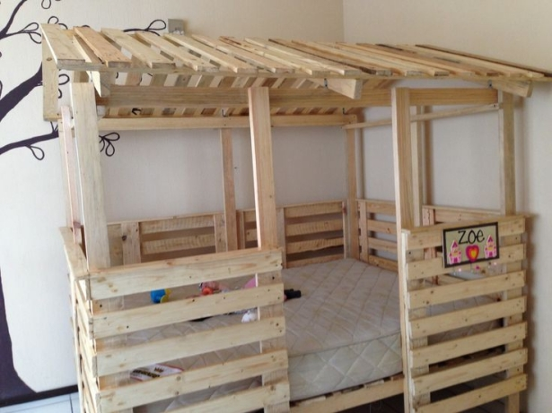 Astonishing Ideas For Pallet Loft Bunk Beds Wood